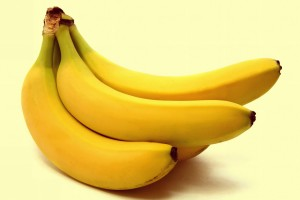 fruits_bananas_white_background_desktop_4000x2678_hd-wallpaper-558293