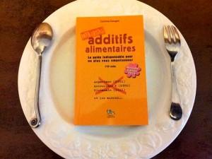 livre-additifs-dans-assiette
