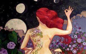 Femme-avec-tatouage-sur-le-dos