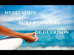 vers-une-vie-sereine-meditation-guidee-sur-la-lumiere-de-guerison